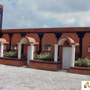 Ladrillo y estructura decorativa